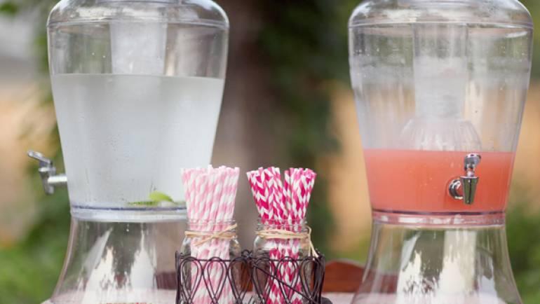 Napoje na wesele w upalne dni – czyli z angielskiego wedding drink station !